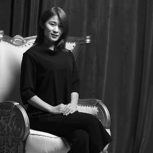 尊尚安娜化妆美甲培训学校:瑞芳老师